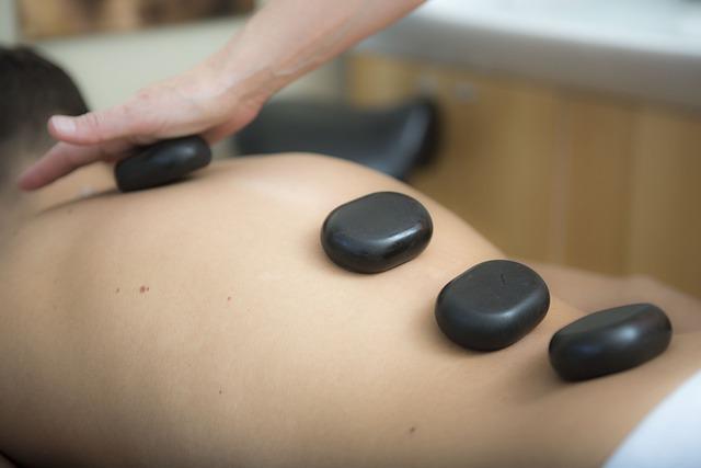 Cosa aspettarsi da un massaggio con le pietre calde