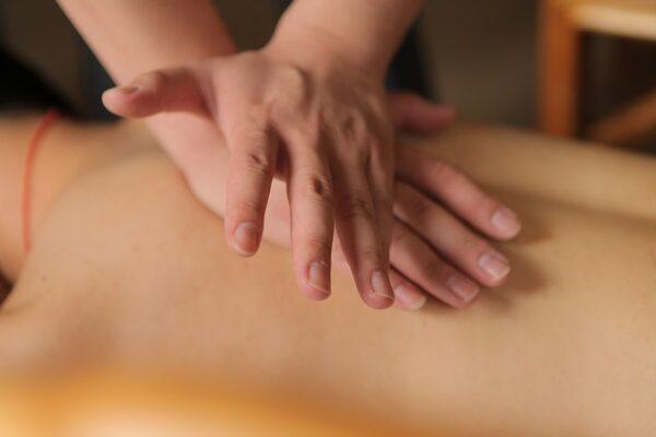 massaggi svedesi e massaggi dei tessuti profondi
